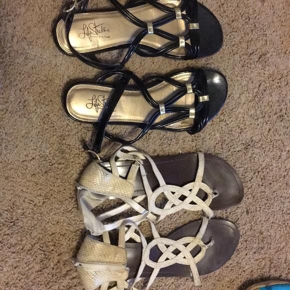 Flat sandals (off white & black)